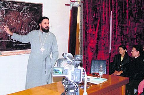 Патриарха Моисея, обвиняемого в изнасиловании прихожанок, могут посадить...