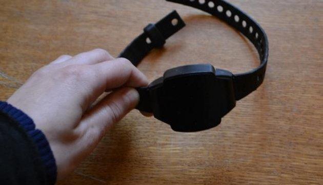 Нацполиция: 80% электронных браслетов – поломаны