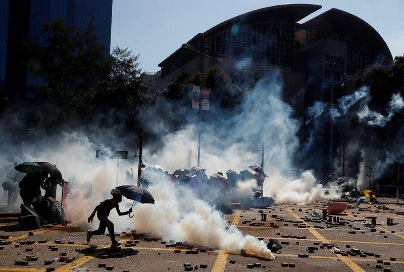 Полгода протестов в Гонконге: 2 миллиона горожан страдают от ПТСР