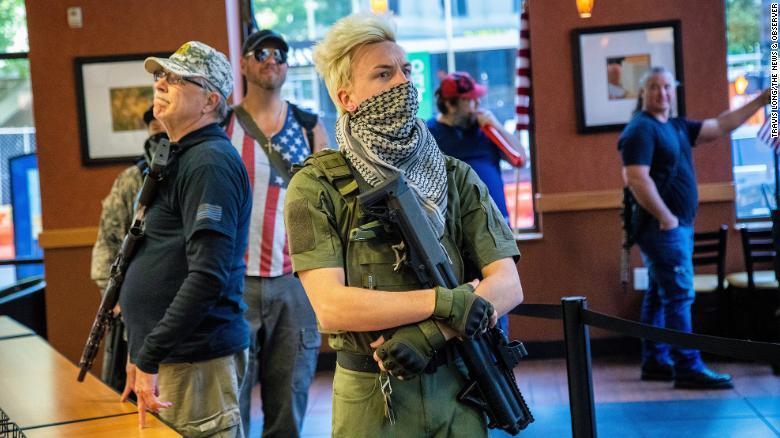 В ходе протестов в США сформировалось антиправительственное движение Boo...