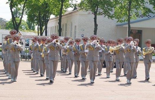 На выходных в Киеве будут выступать военные оркестры