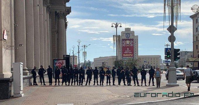 Выборы в Беларуси: в Минске силовики перекрыли центр города