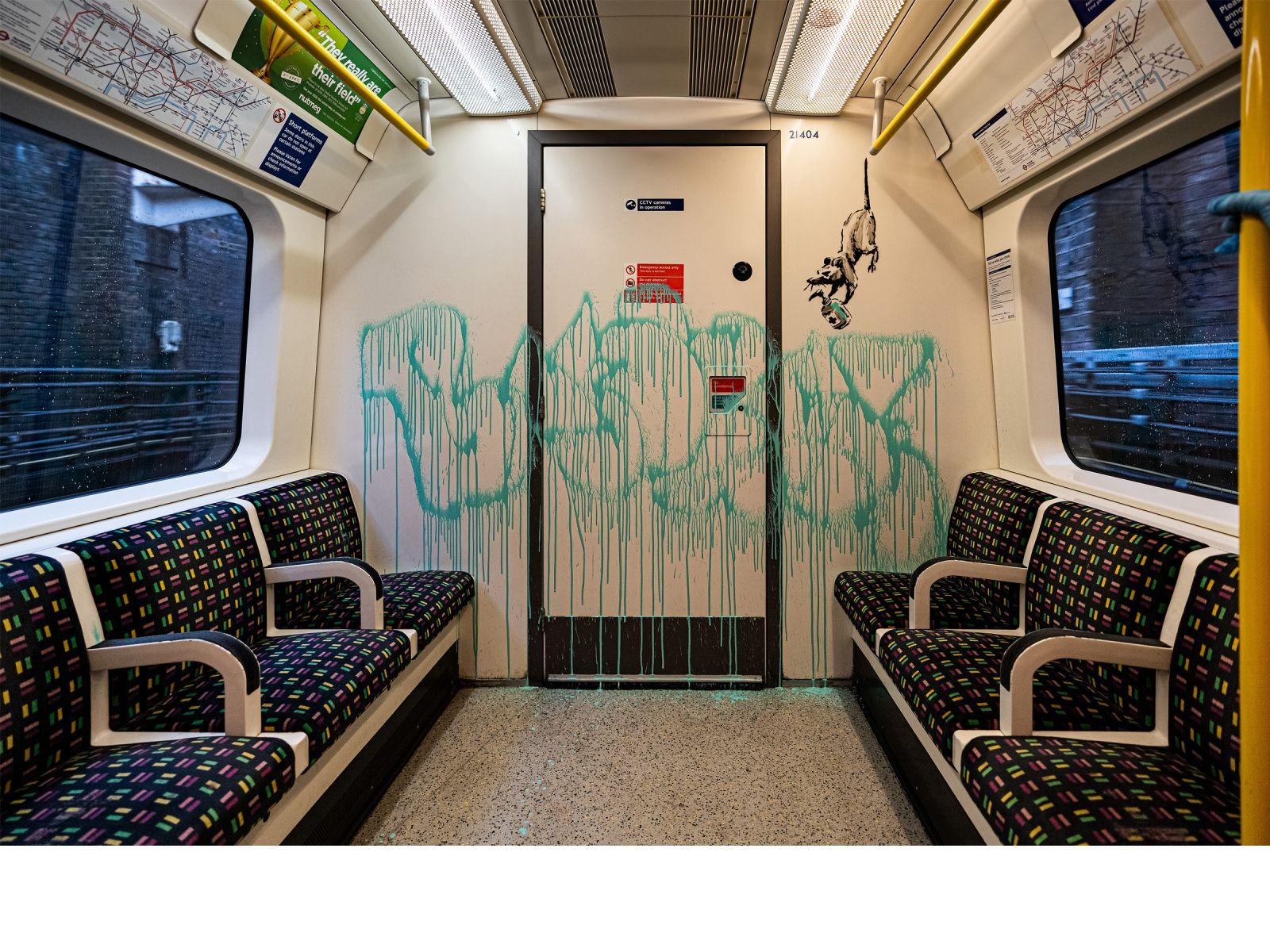 Бэнкси разрисовал вагон лондонского метро чихающими крысами
