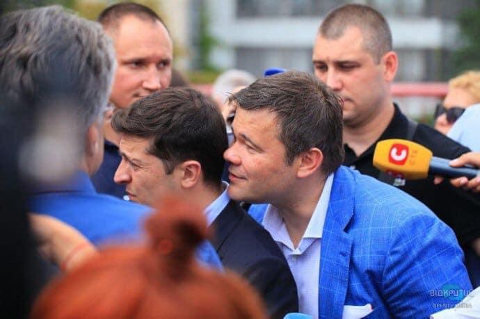 СМИ сообщают, что Богдан собрался в отставку. В этот раз якобы по-настоя...