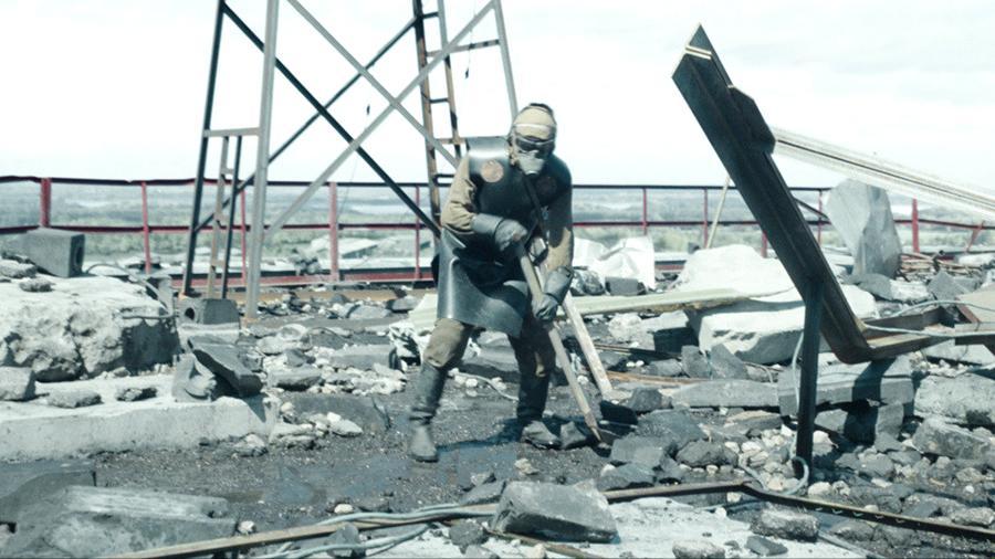 """Идеальное совпадение: Сериал """"Чернобыль"""" сравнили с кадрами реальной хро..."""