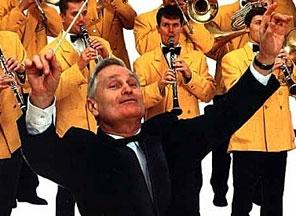 Дирижер литовского государственного оркестра умер во время пасхального к...