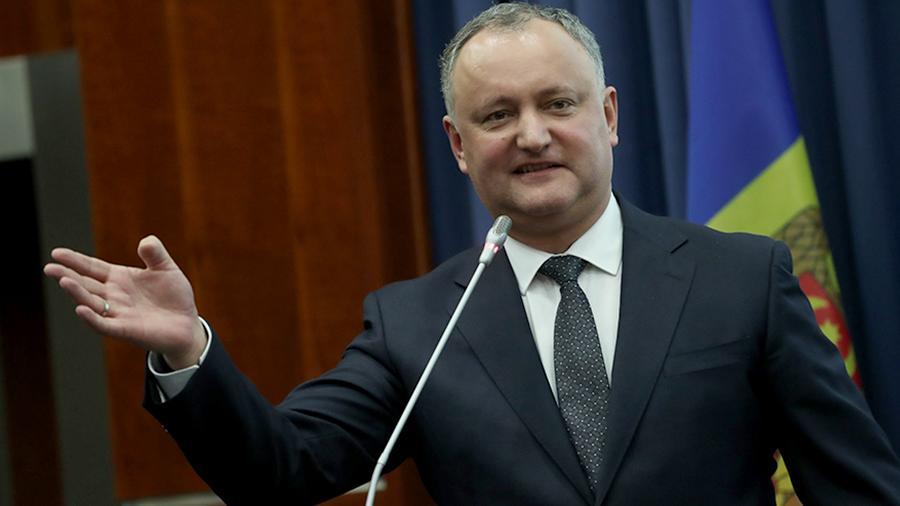Конституционный суд Молдовы временно отстранил Додона от должности прези...