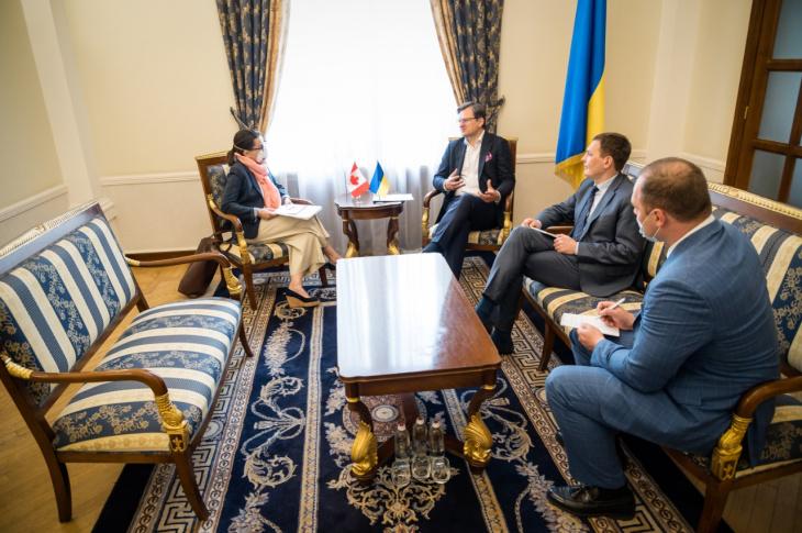 Канада рассмотрит возможность предоставления безвиза Украине, – МИД