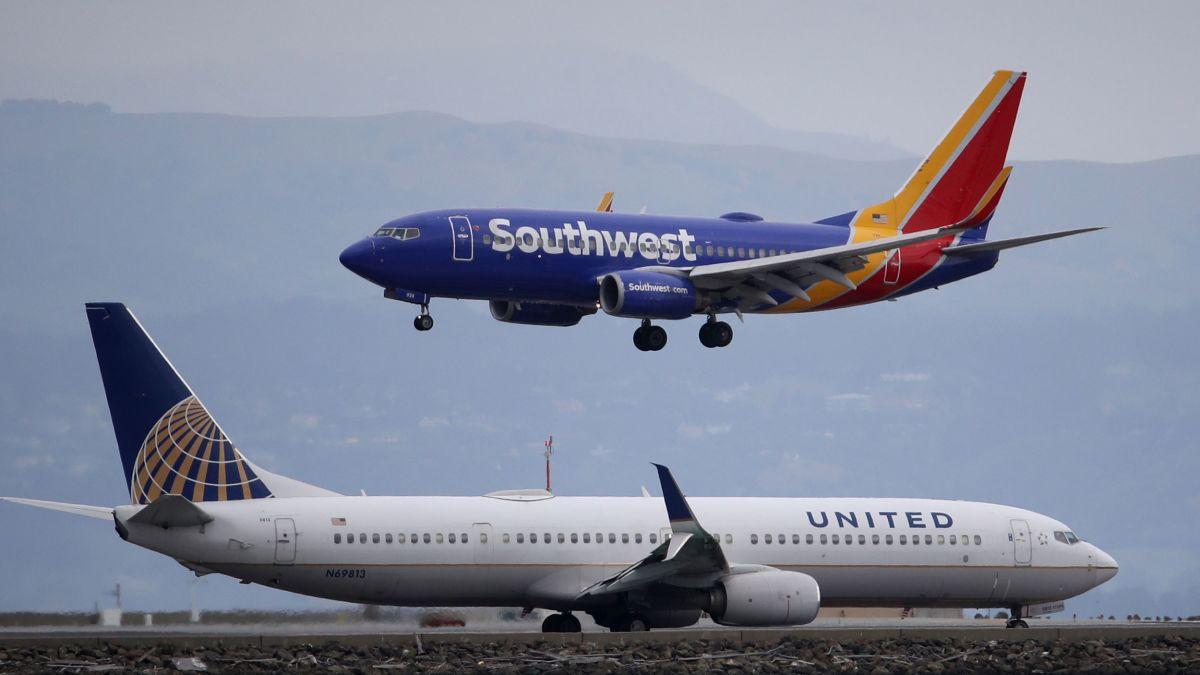 Мировые авиакомпании, оставшиеся без пассажиров, привлекли кредитов на $...