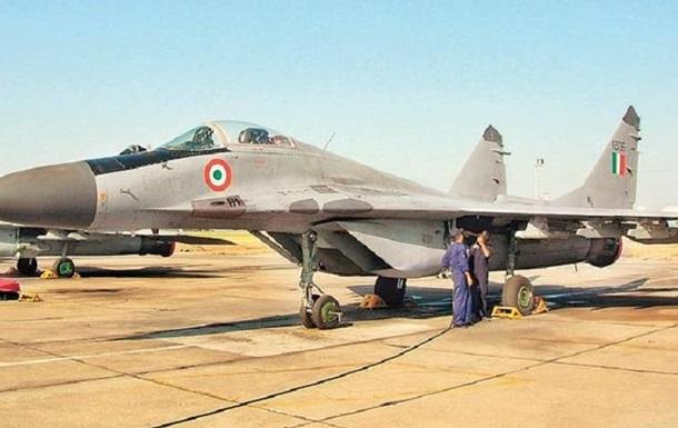 В Индии истребитель МиГ-29 во время взлета потерял топливный бак