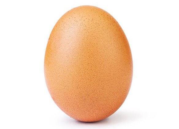 Треснуло яйцо, установившее рекорд в Instagram