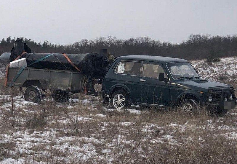 Украинец на машине пытался вывезти в Россию часть военного вертолета Ми-...