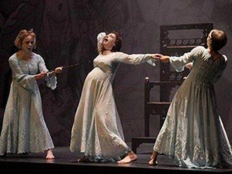 BBC отказалась показывать балет про похотливых монахов