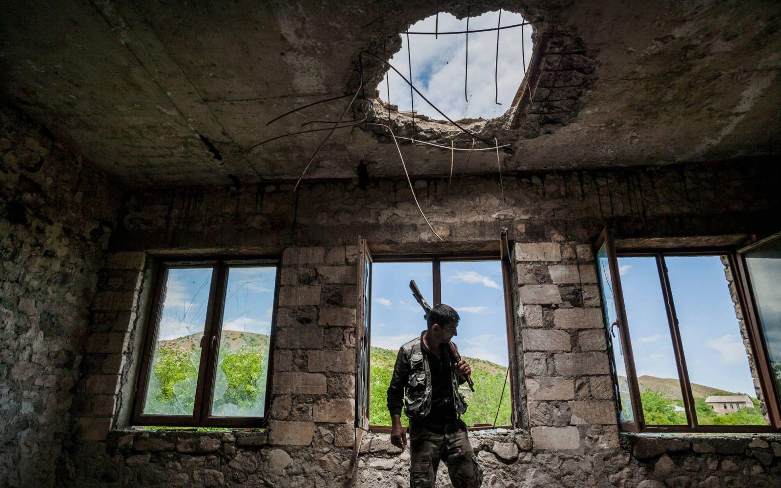 Бремя ястребов. Почему в большой войне в Карабахе не заинтересован никто...