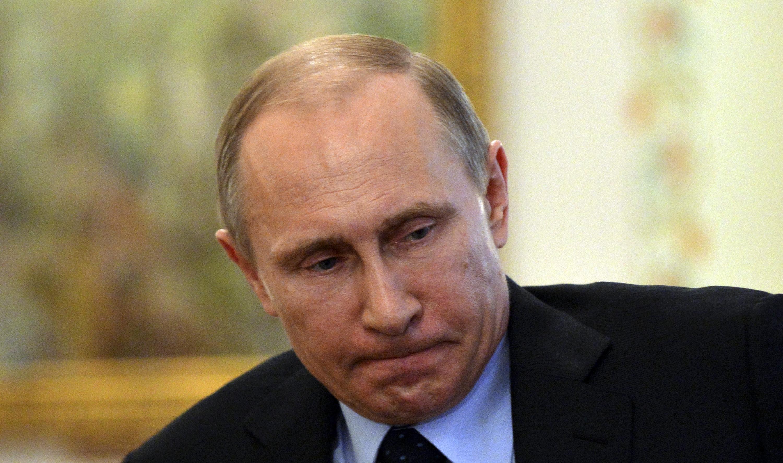 Путин занимает выжидательную позицию по Зеленскому, – Песков