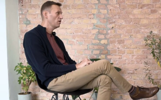 """""""Я испытал полусмерть, потом кому"""": Навальный дал Дудю первое после отра..."""