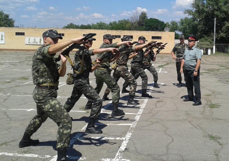 Военную подготовку студентов, которые пойдут на контрактную службу, опла...
