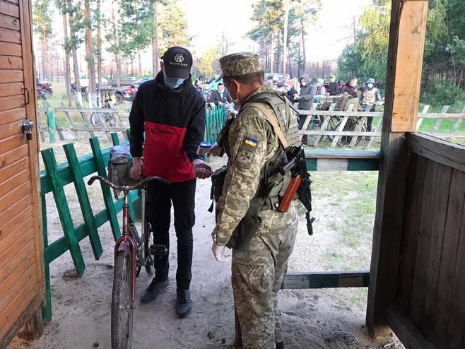 На украинско-белорусской границе приостанавливается пропуск жителей приг...
