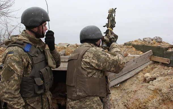 Боевики 61 раз обстреляли украинских военных на Донбассе