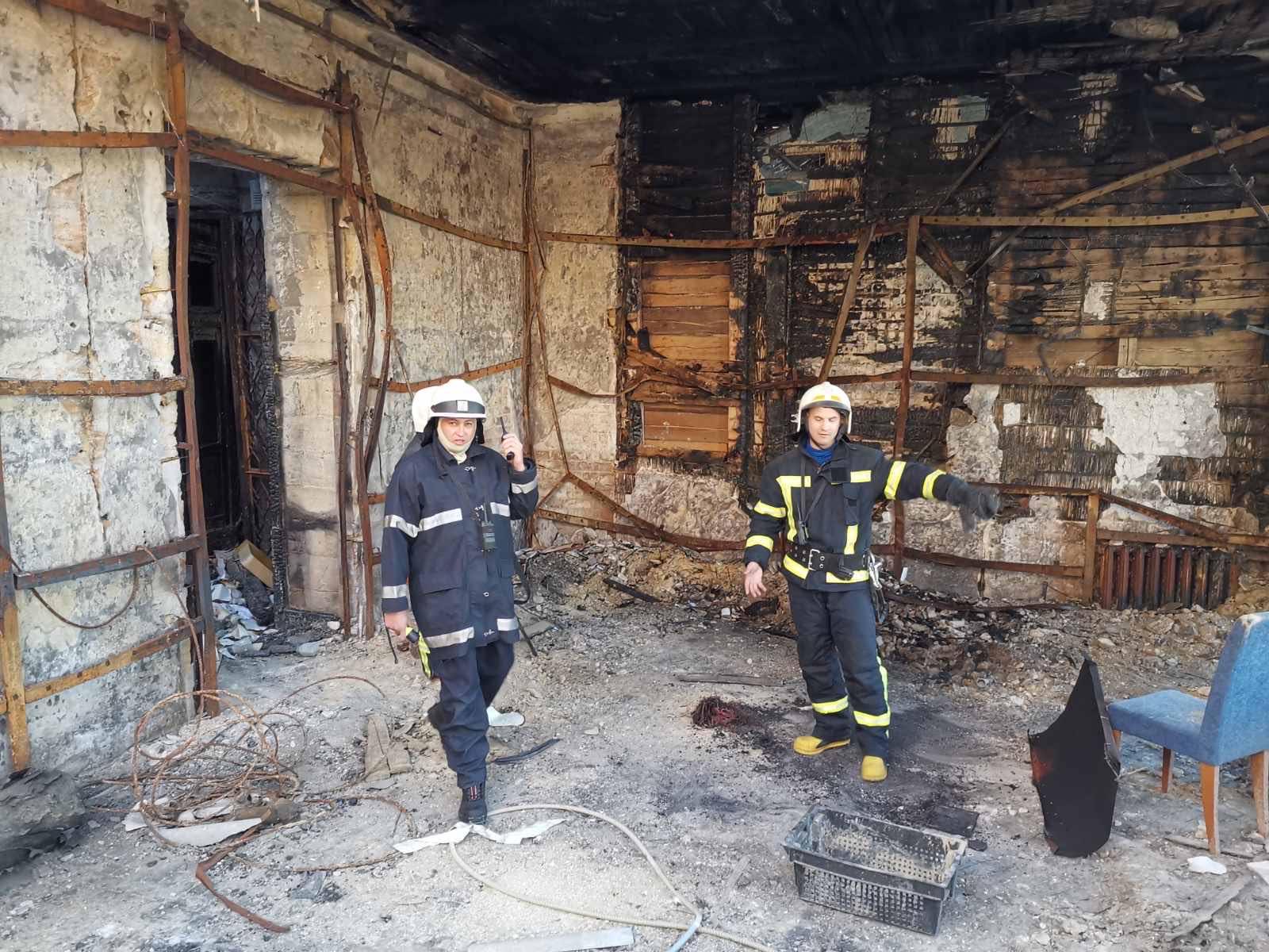 В горевшем здании Одесского колледжа снова произошел пожар