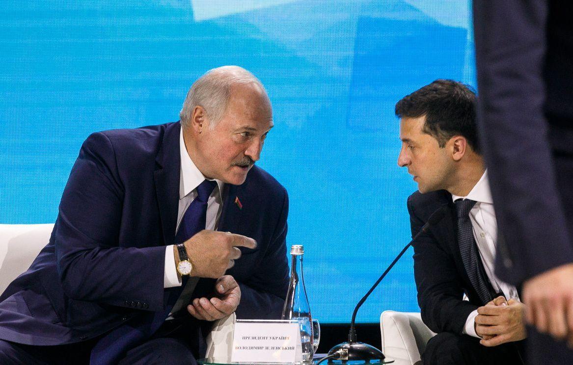 """У Зеленского отреагировали на обвинения Лукашенко о """"приказе"""" провести н..."""