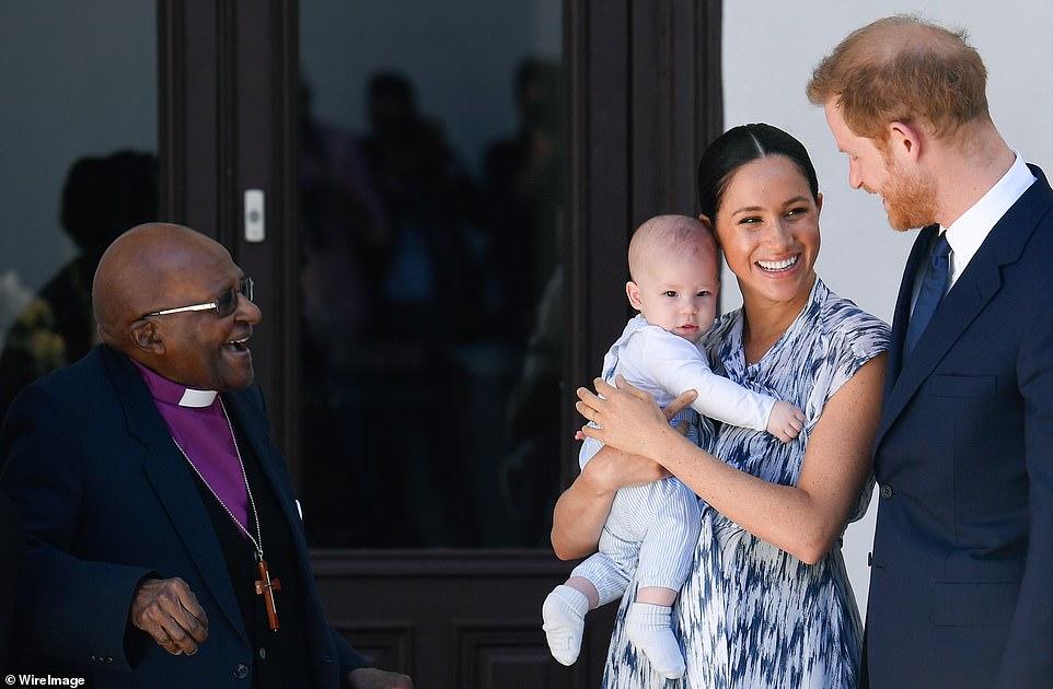 Чаепитие с Нобелевским лауреатом: Меган Маркл, Гарри и малыш Арчи нанесл...