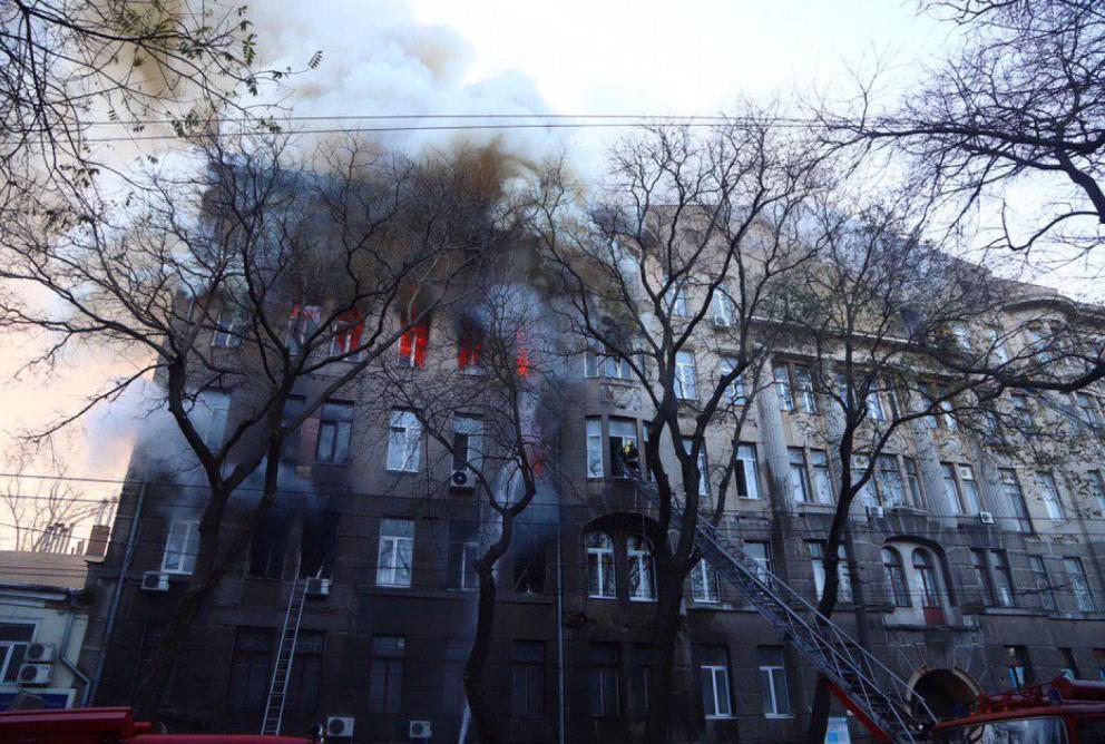 Зеленский дал Кабмину месяц на противопожарную проверку школ и детсадов