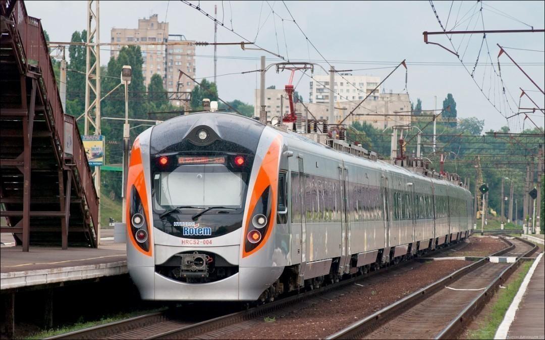 Поезд Интерсити сломался ночью под Харьковом