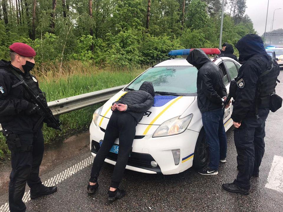 Полиция догнала на трассе 10 участников перестрелки в Броварах