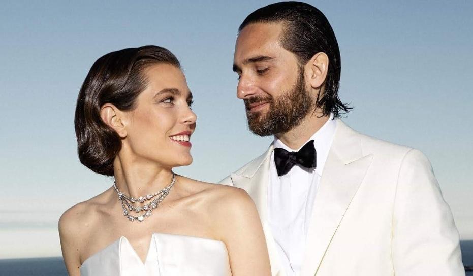 Появилось официальное фото свадьбы внучки Грейс Келли и сына Кароль Буке