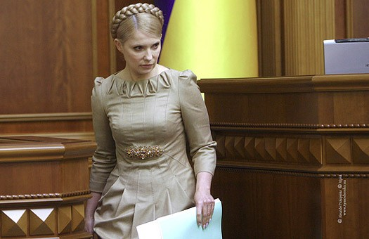 Тимошенко запретила давать в аптеки маски из резервной марли