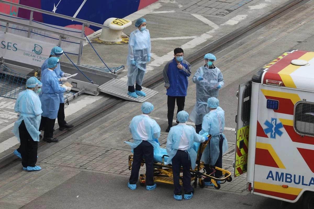 Во Франции у пяти британцев диагностирован коронавирус