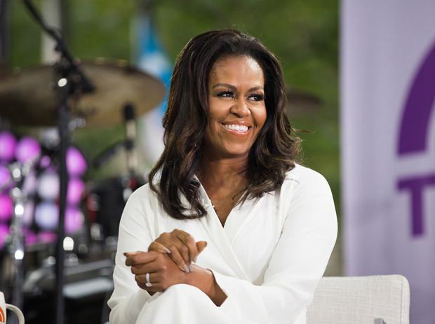 """Мишель Обама призналась, что страдает от депрессии из-за расизма и """"лице..."""