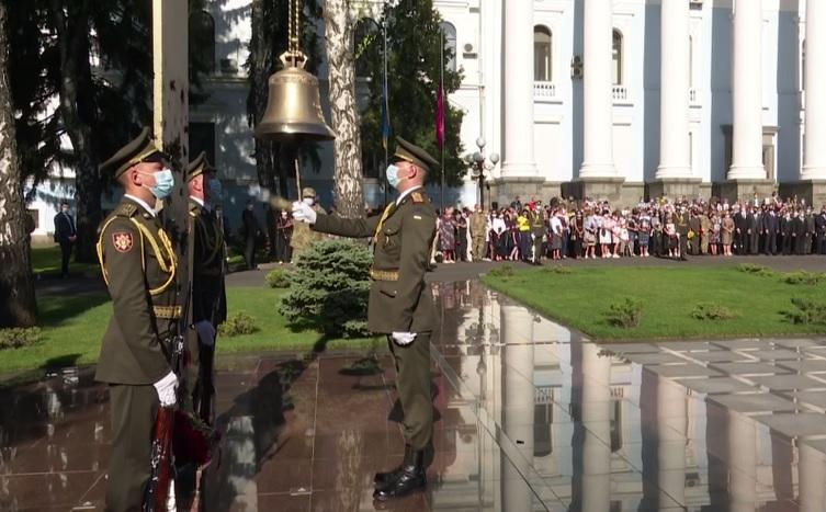 Сегодня в Украине отмечают День памяти защитников страны