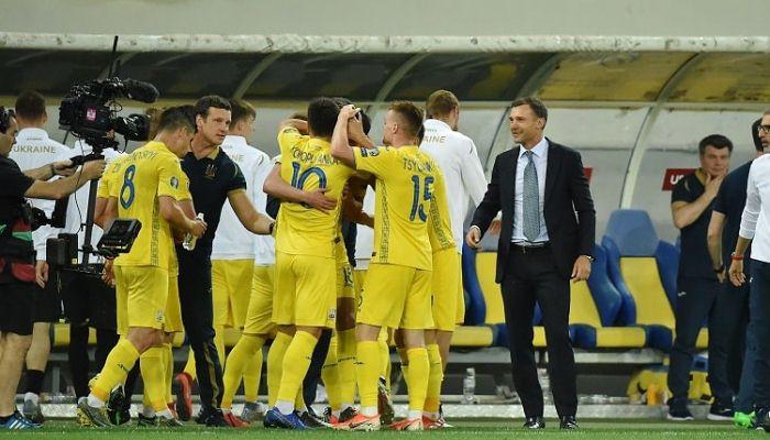 Двое игроков сборной Франции не сыграют в матче с Украиной из-за самоизо...