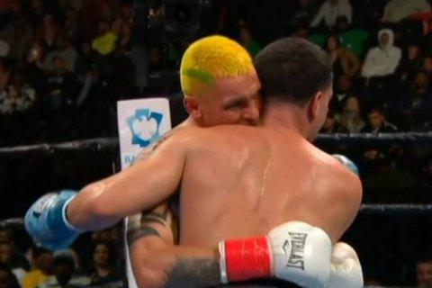 Украинского бойца, укусившего соперника в ринге, лишили боксерской лицен...