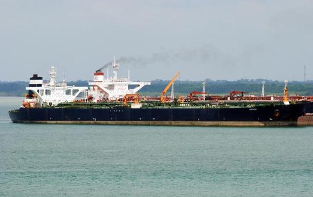 Иранский нефтяной танкер отключил радиомаяк и  направился в Сирию, – СМИ