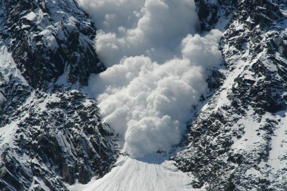 Семь человек погибло из-за схода лавин в Альпах