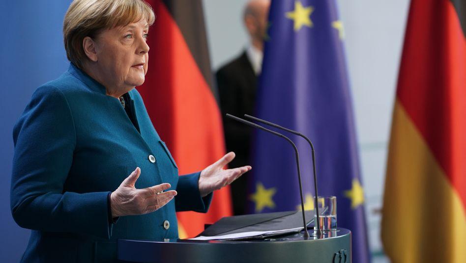 Меркель добровольно отправилась на домашний карантин