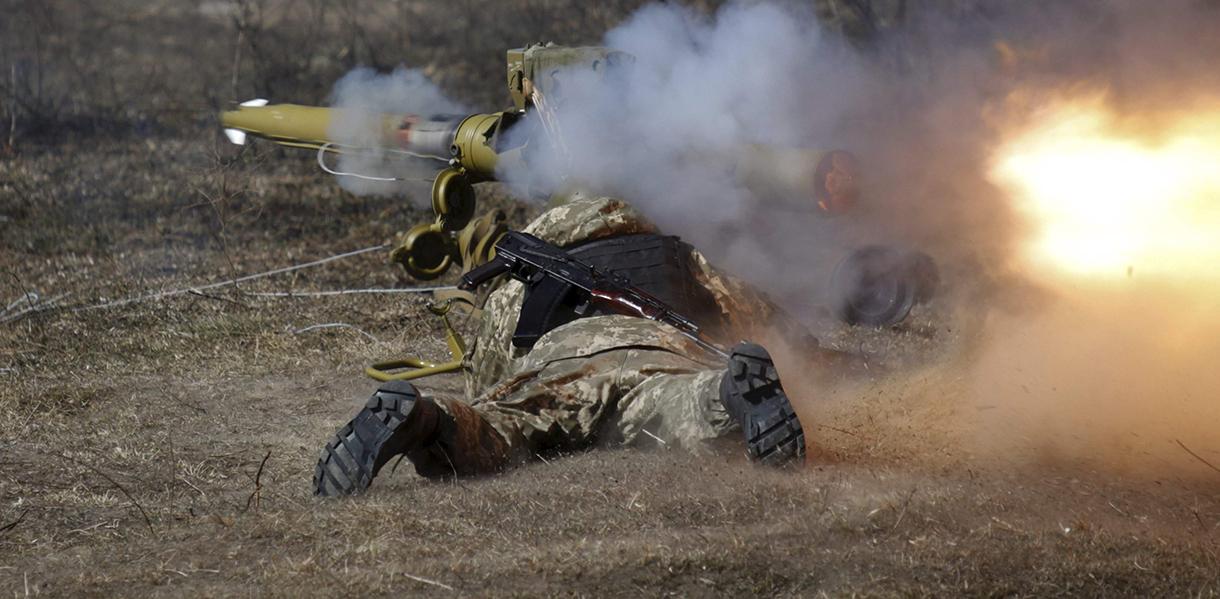 АТО: Враг обстреливал из тяжелой артиллерии укрепления ВСУ на Луганщине