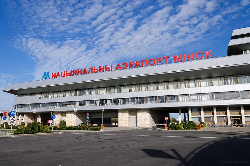 Четверых украинских пленных передадут в ВИП-зале минского аэропорта, – С...