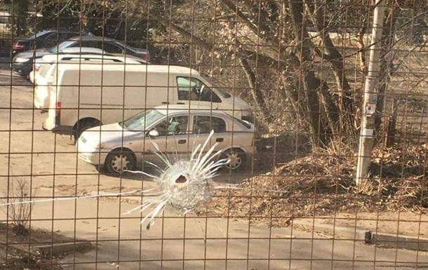 В Киеве обстреляли Голосеевский райсуд