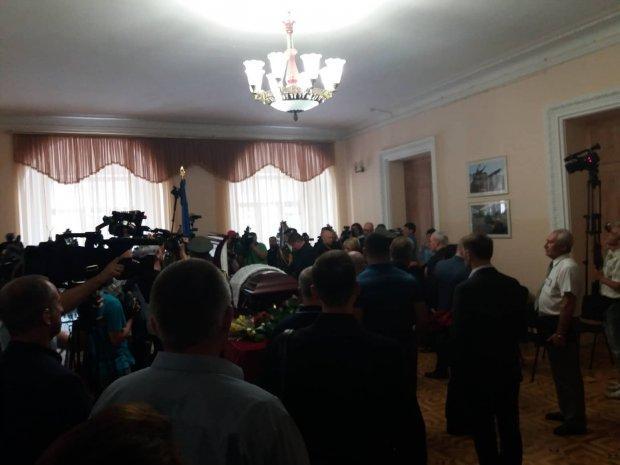 В Киеве попрощались с Дмитрием Тымчуком