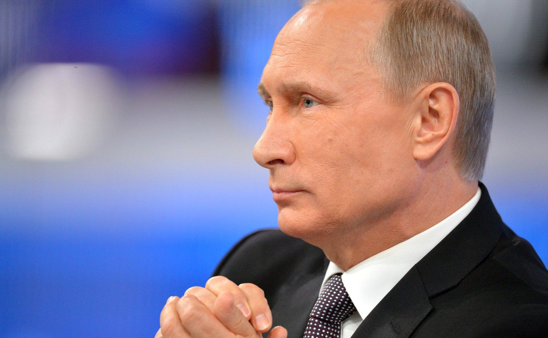 "Путин получил ""корочку"" президента"