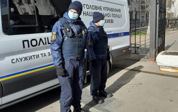 Карантин в Украине: полицейские предупредили о проверке документов у про...