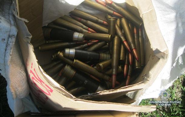 Под Черкассами полиция нашла схрон с гранатометами и пластидом