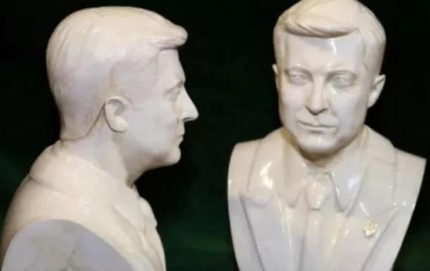 В Украине появились в продаже бюсты президента Зеленского