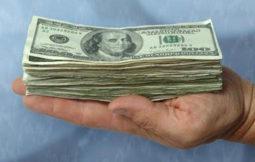 Курсы доллара и евро повысились на 3-6 копеек