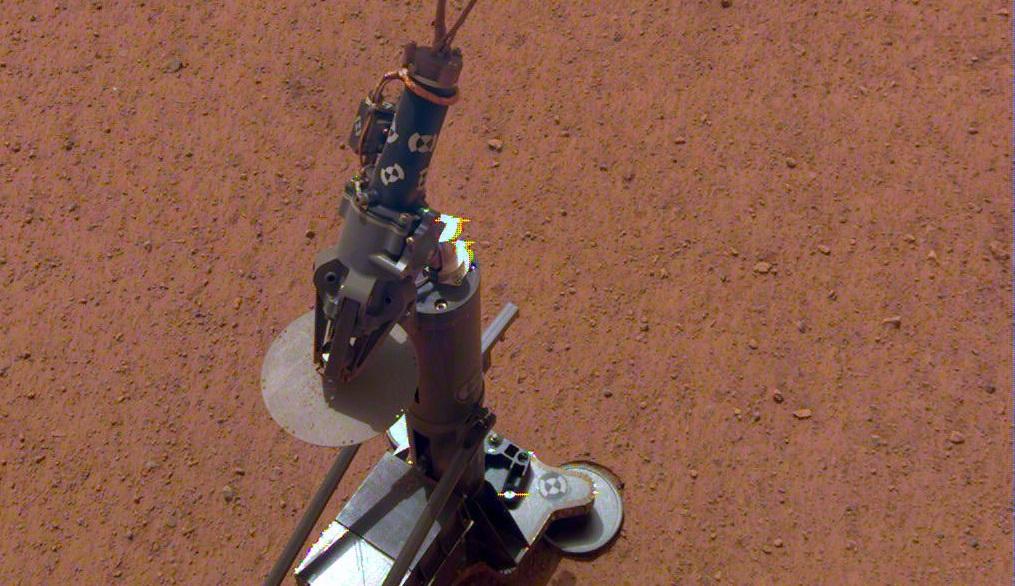 Зонд InSight готовится измерить температуру Марса
