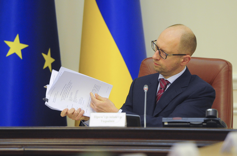 Программа МВФ стабилизирует гривну и обеспечит рост ВВП, - Яценюк